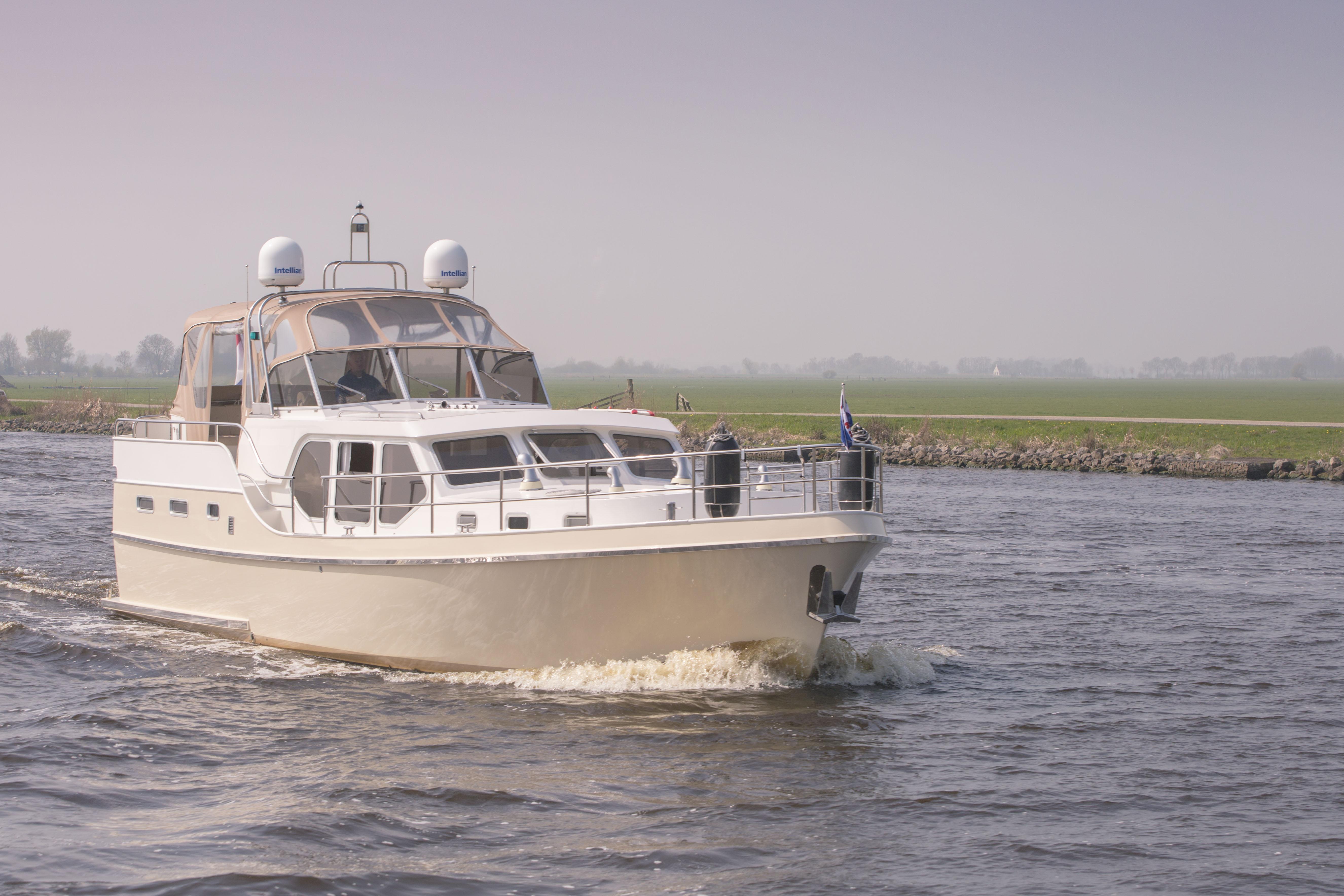 Maxima – De Schiffart Yachtcharter