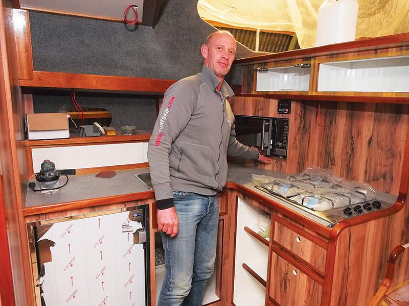 Pieter Wind, mede-directeur en eigenaar van Frieslands grootste motorjachtverhuurbedrijf, Turfskip in Echtenerbrug, is blij met de classificatie van huurjachten. De onderneming heeft momenteel (januari 2016) een vijfsterrenjacht in aanbouw, de Minerva, een 8-persoons Reline Classic van 13,70 meter lang en 4,50 meter breed.
