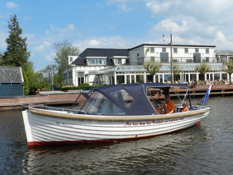 Friese Meren Sloep 720