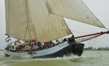 Hollandia (met bemanning). Max. 16 gasten