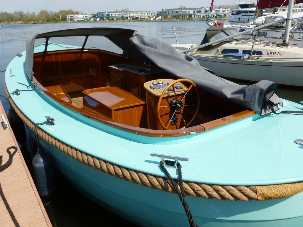 Sloep E-Line Parel – Yachtcharter Tacozijl Lemmer