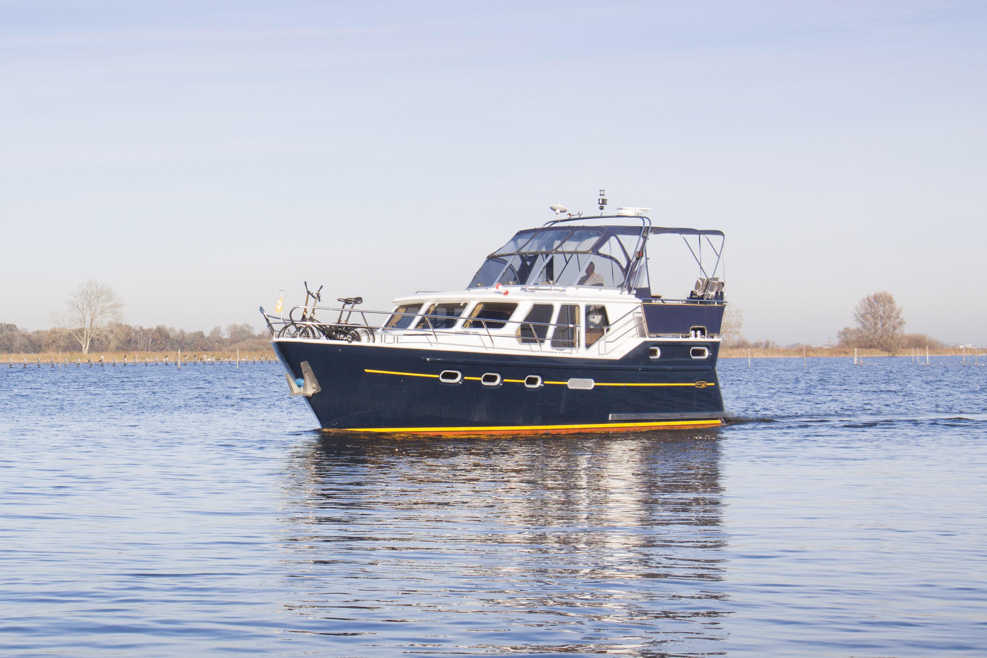 De Ruyter – De Schiffart Yachtcharter