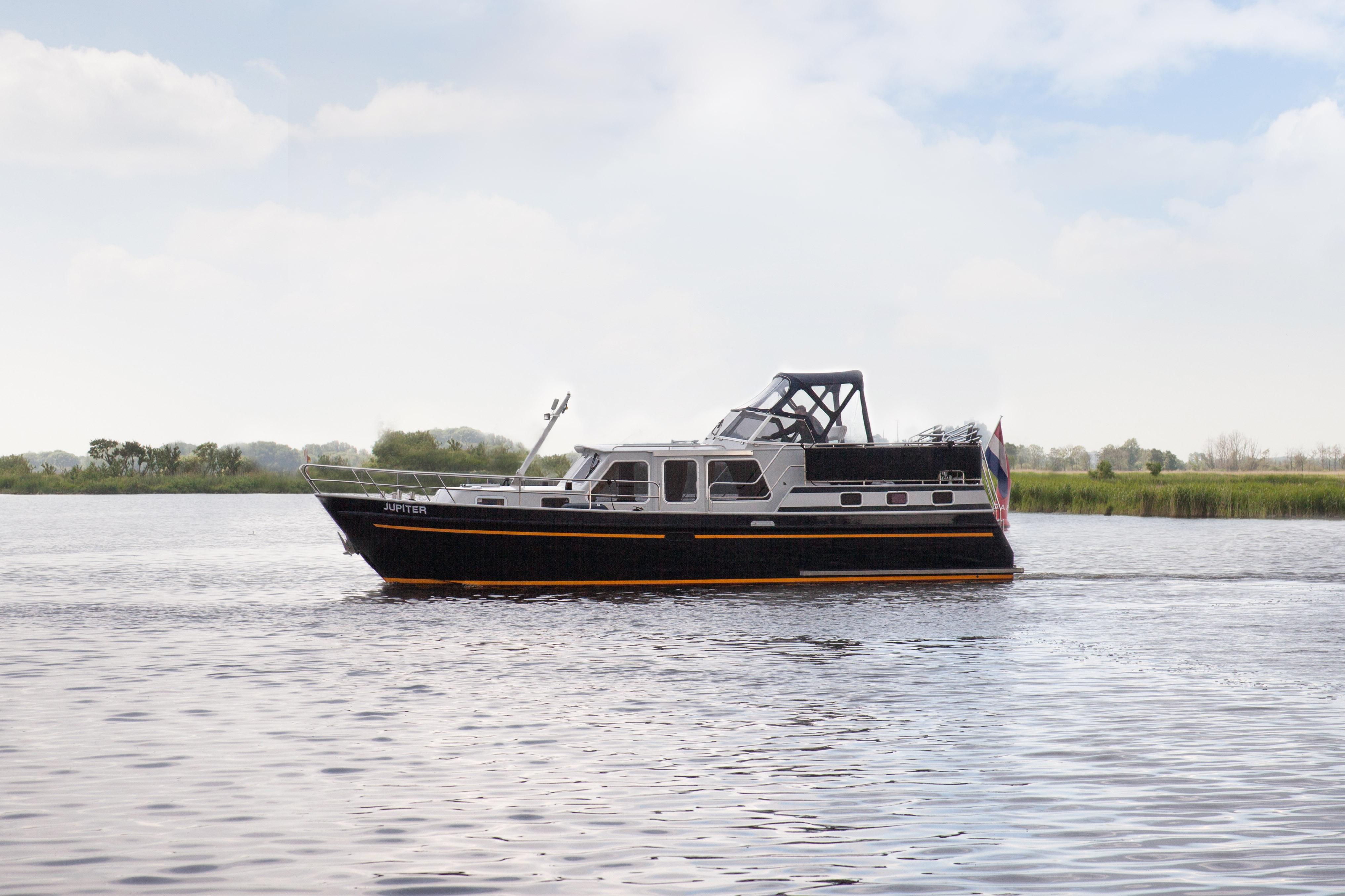 Jupiter – De Schiffart Yachtcharter